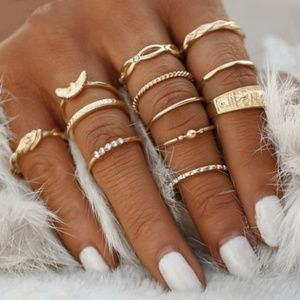 New boutique item Boho themed gold toned 12 piece